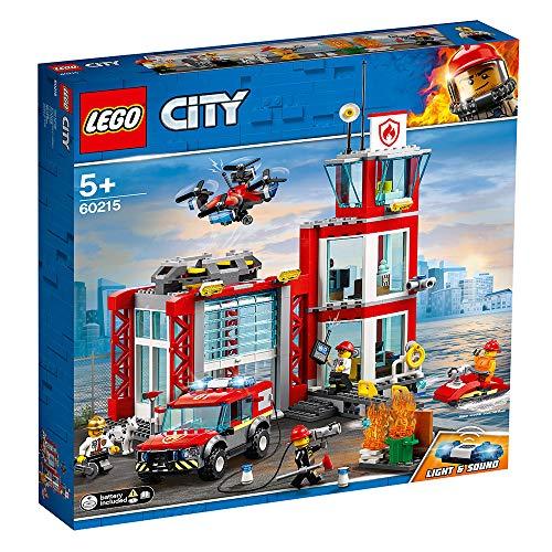 LEGO - City Fire Caserma dei Pompieri su 3 Livelli con 4 Minifigures Mattoncini Sonori e Luminosi, Set Ricco di Dettagli e Accessori per Bambini dai 5 Anni in Su, 60215