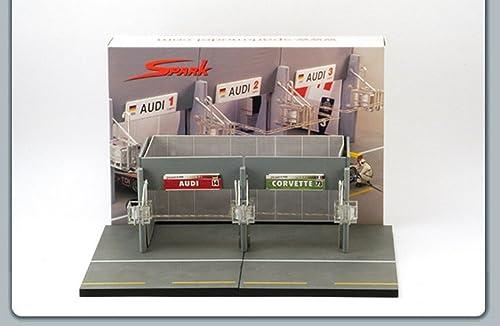 Envio gratis en todas las ordenes Spark Spark Spark Model S43AC002 LE Mans Pit Stop 1 43 MODELLINO Die Cast Model Compatible con  están haciendo actividades de descuento