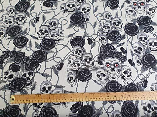 Oddies Textiles - Tela con Estampado de Calaveras y Rosas Negras, 100% algodón, Tela de Tela para Manualidades (CP821IVO)