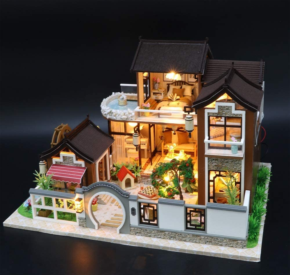 Dust Proof Cover and Music Movement Peach Blossom Valley 1:24 Scale Miniature with Furniture Creative Craft Gift for Lovers and Friends Flever Wooden DIY Dollhouse Kit
