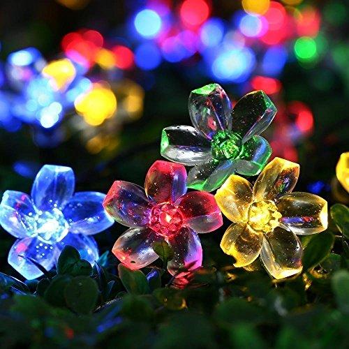 Qedertek Solar Lichterkette Außen Blumen, 7M 50 LED Solar Lichterkette Aussen 8 Modus, Wasserdicht Solarlichterkette für Garten Deko, Balkon, Bäume, Terrasse, Hochzeiten (Mehrfarbig)