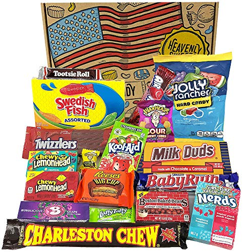 Heavenly Cesta de Dulces y Chocolate Americanos - Set de Marcas Clásicas de USA, Surtidos Originales, Regalo Perfecto para Niños, Adulto - Cumpleaños, Navidad - 18 Dulces, paquete de 28x19x4cm
