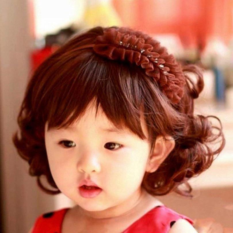 補体正当化する礼拝素敵な愛らしい男の子の女の子の髪のかつらフルヘッド子供のかつらかわいい子供たちは5-10歳のためのヘアピースを毎日身に着けています(茶色)