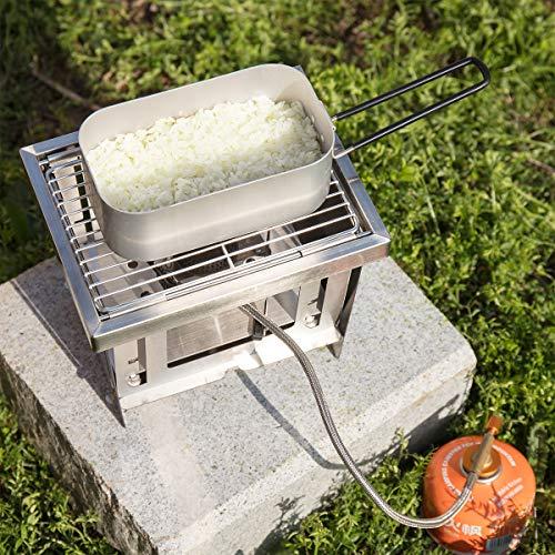 アルミ製の飯ごう、バットアミ(飯ごう専用)、固形燃料ストーブがセットになったリーズナブルなメスティンセットです。こちらのメスティンは2合まで炊飯することができるので、具が多い炊き込みご飯にもぴったり。専用アミがあり、蒸し調理も簡単に始められます。  □容量: 800ml  □炊はんの目安: 約2.0合まで □重量: 165g  □サイズ: 16.5×9×6cm