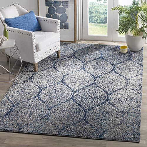 """Safavieh Madison Collection MAD604G Navy and Silver Distressed Ogee Area Rug (5'1"""" x 7'6"""")"""