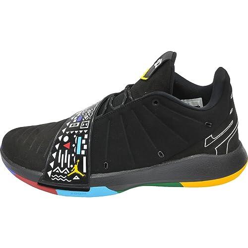 outlet store 7dfac f4a37 Jordan Men s CP3.XI Basketball Shoes (12-M, Black Gold)