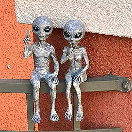 Garden Ornaments Set of Two Invasion Standing Alien Statues,UFO Extraterrestrial Sighting See Hear Speak No Evil Roswell Alien Figurine Garden Stakes Set, Indoor Outdoor Decoration Figurines