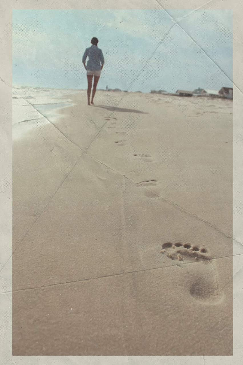 しかしジョブゲートウェイNotebook: Walking on hot sand Handy Composition Book Daily Journal Notepad Diary Vintage Retro Poster style for logging beachcombing finds