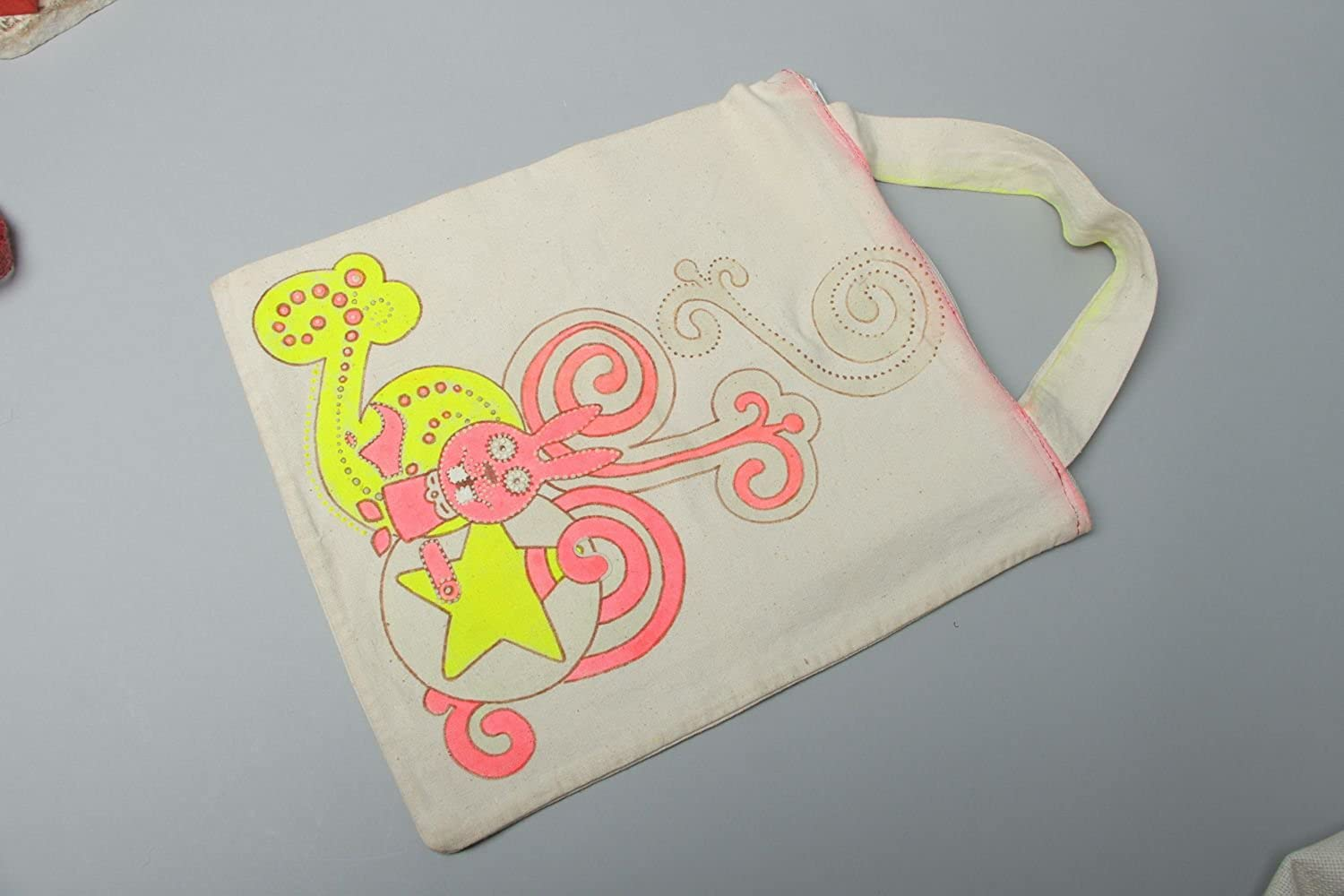 Women's Bag With Fluorescent Painting And Zipper Fastener