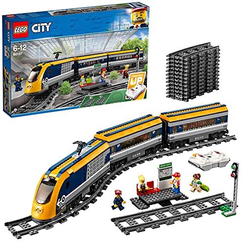 LEGO City Trains Treno Passeggeri, Motore Alimentato a Batteria, Connessione Remota Bluetooth, Binari e Accessori, 60197