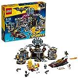 LEGO Batman - Intrusos en la Batcueva, Juguete de Construcción del Superhéroe, Incluye Varias Versiones del Personaje de DC y Dos Vehículos (70909)