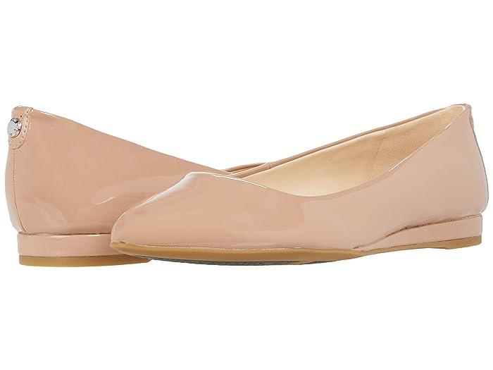 Nine West Ferdi9X9 (Natural) Women's Flat Shoes