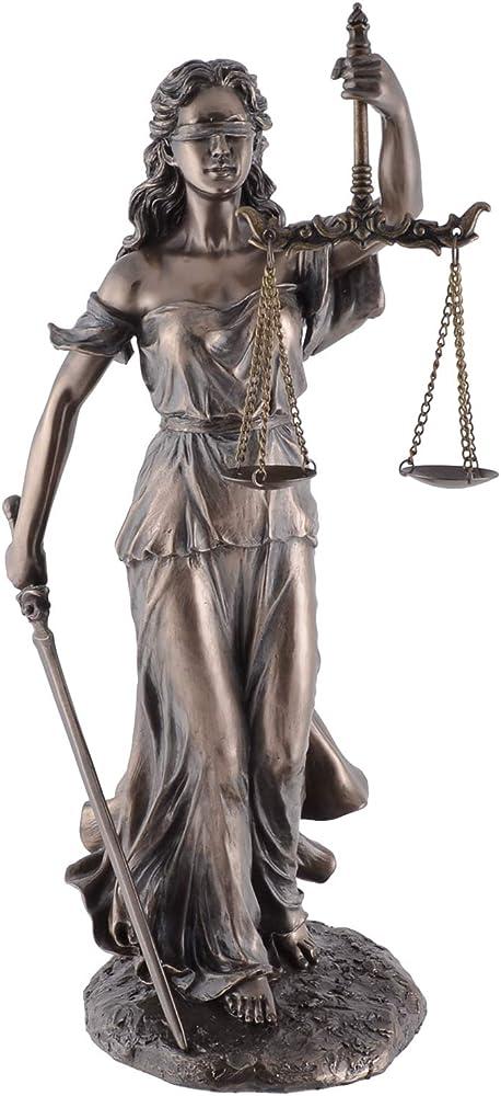Veronese scultura di dea romana justitia