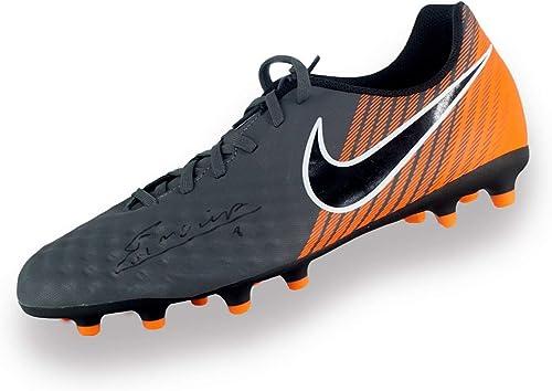 Exclusive Memorabilia Chaussure de Foot signée Andres Iniesta