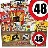 Geschenkideen zum 48. Geburtstag - Süssigkeiten Box mit Waren DDR + Geschenkverpackung 'Verkehrsschild 48' mit Ostmotiven – Liebesperlen in Babyfläschchen,...