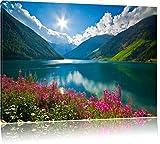 Pré de fleurs sur le lac de montagne, photo sur toile, format XXL support en bois, Leinwand Format:80x60 cm