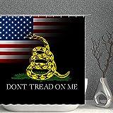 """AMNYSF Duschvorhang mit amerikanischer Flagge, gelb, Cartoon-Schlange """"Don't Tread on Me"""", dekorativer schwarzer Stoff, Badezimmer-Gardinen, 177 x 177 cm, wasserdicht, Polyester mit Haken"""