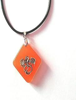 Resina hecha a mano dragón naranja colgante fantasía dragón collar unisex colgante joyería idea de regalo