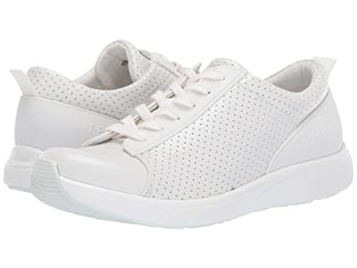 TRAQ by Alegria Qest (Perf White) Women