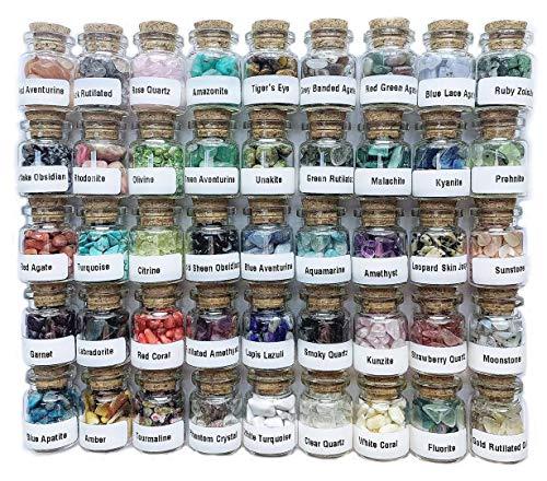 Set mit 45 verschiedenen Kristall-Edelsteinen in Glasflaschen, Chakra-Heilkristalle, Hexenkristalle, Metaphysische Trommel-Kristallsplitterungen Chakra-Steine.