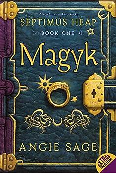 Paperback Magyk (Septimus Heap, Book 1) Book