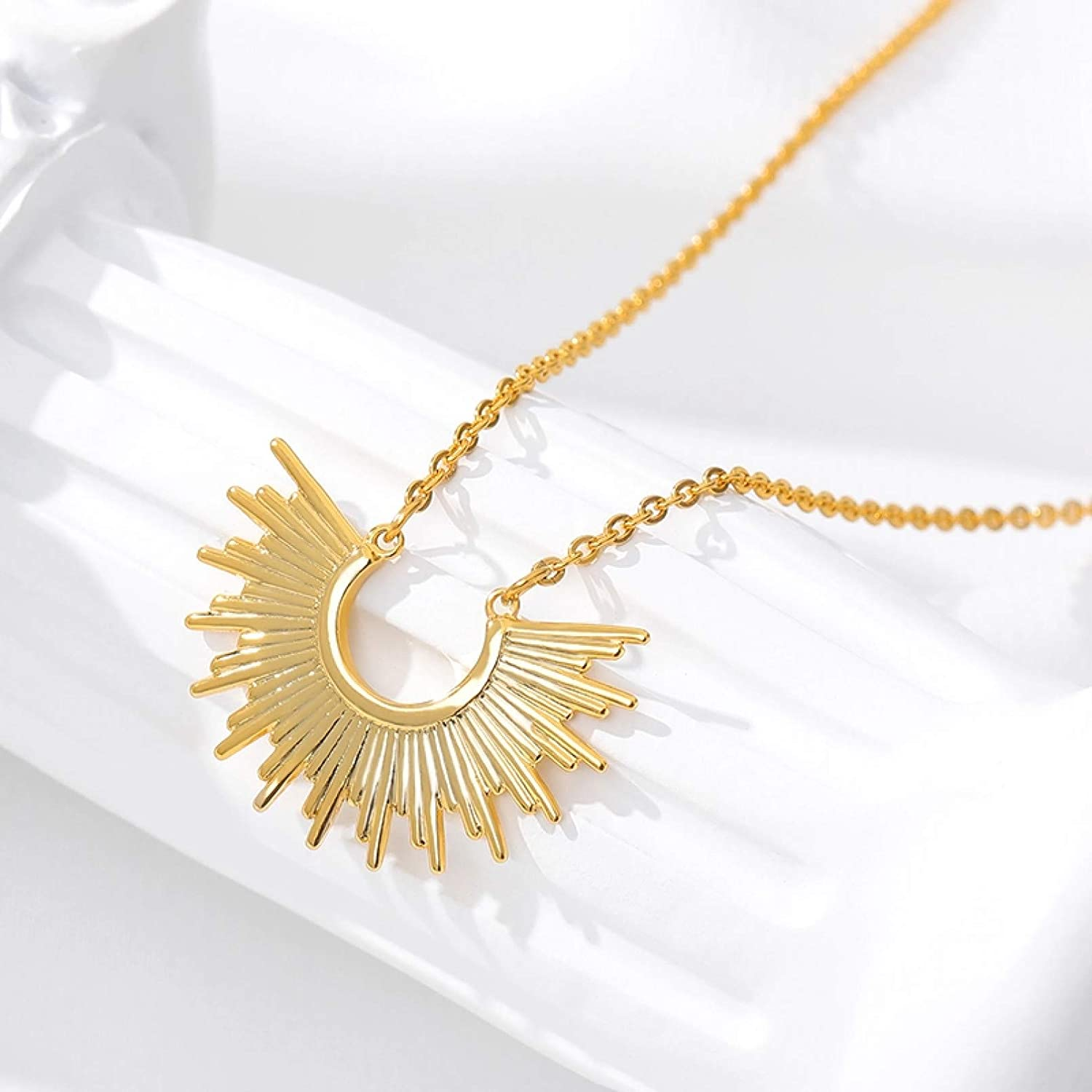 N/A Necklace Pendant Gold Color Sunburst Pendant Necklace Jewelry Stainless Steel Sunshine Choker Necklaces for Women collares Woman Christmas Birthday Gift