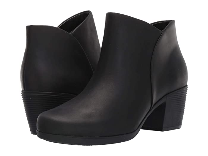 Clarks  Un Lindel Zip (Black Oily Leather) Womens  Boots