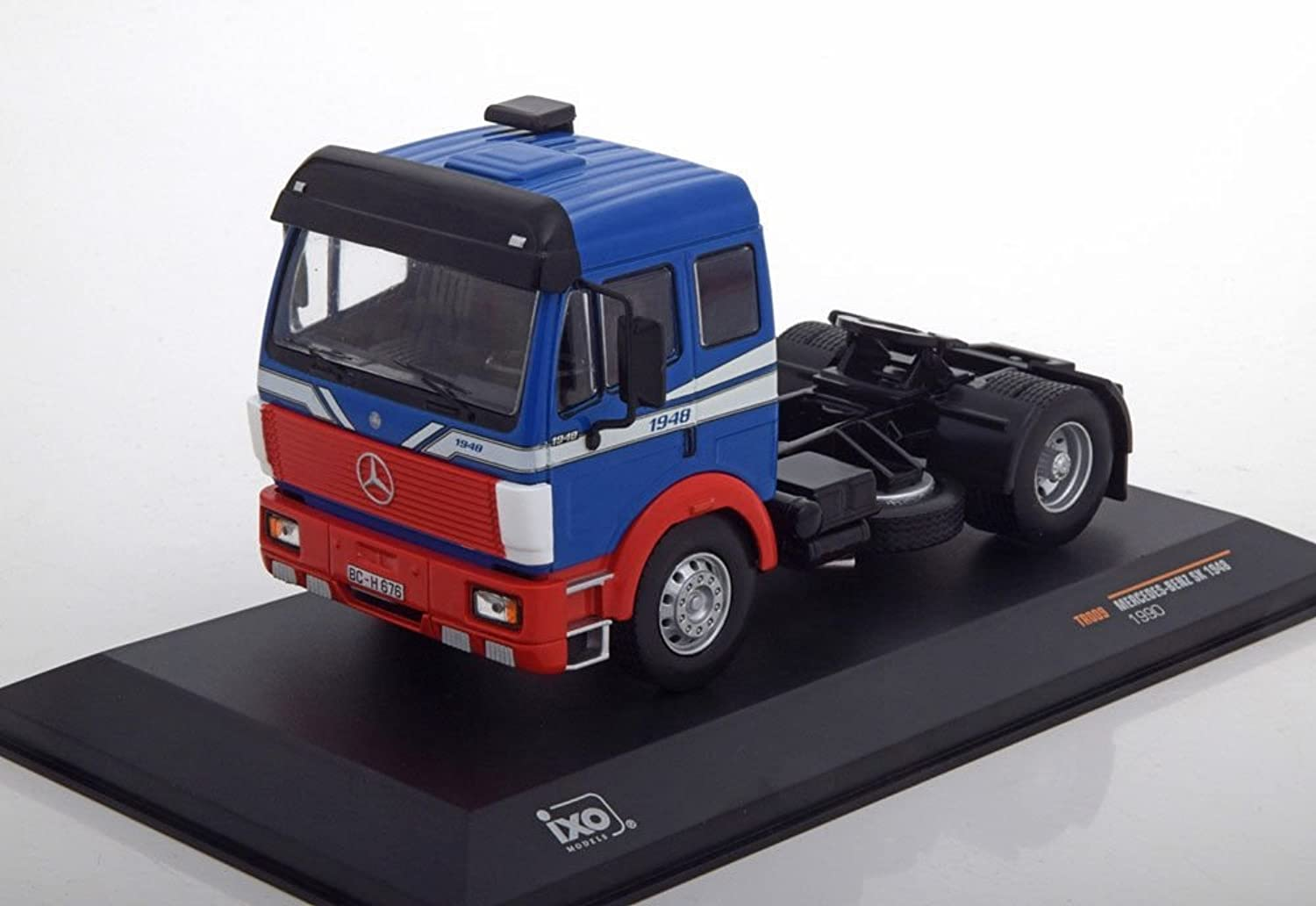 Ixo MercedesBenz SK1948  Scale  1 43, TR009, bluee Red