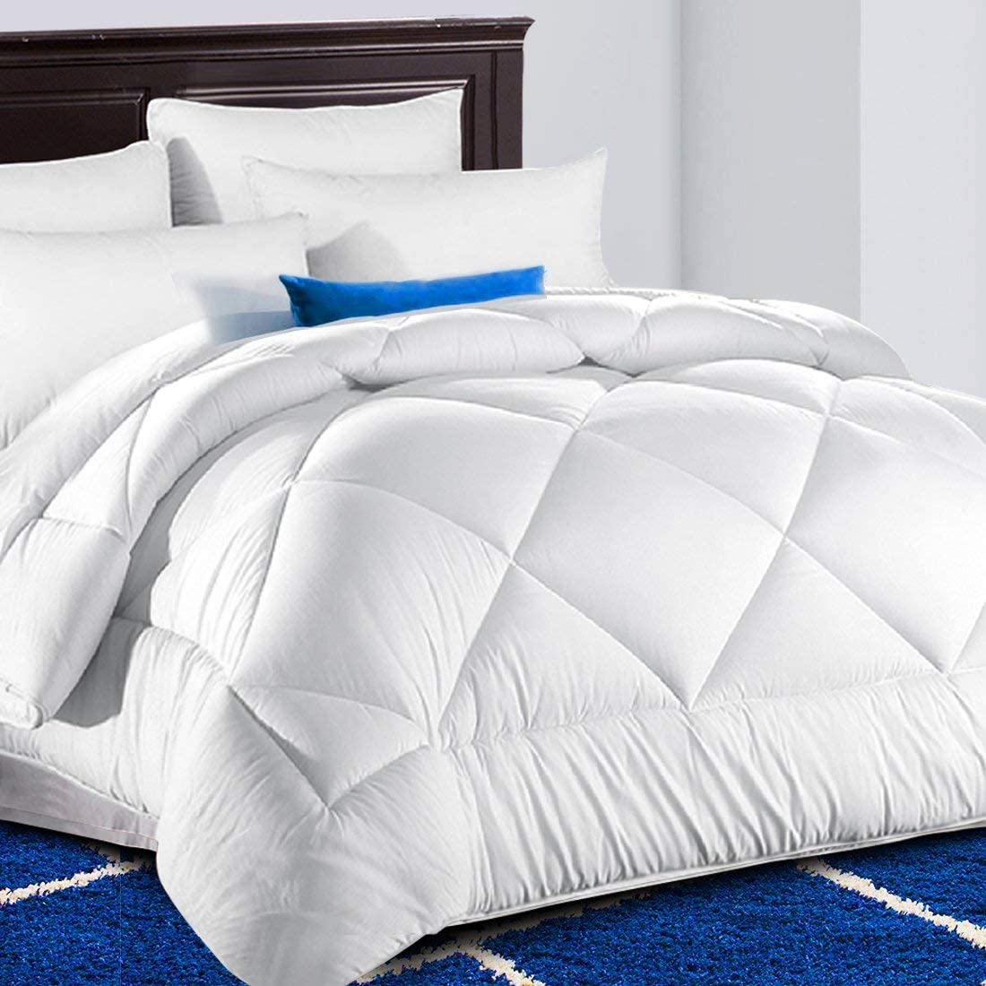Snow White Fluffy Reversible Summer Cool Collection for Hotel TEKAMON All Season Oversized Queen Comforter Soft Quilted Down Alternative Duvet Insert with Corner Tabs 98 x 98 inches