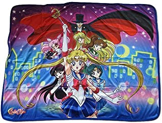 Great Eastern Entertainment R-Sailor Moon Group Sublimation Throw Blanket, Multicolored