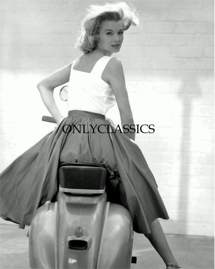 WonderClub OnlyClassics Actress Angie Dickinson Vespa Motor Scooter Motorcycle Pinup Girl 8.5