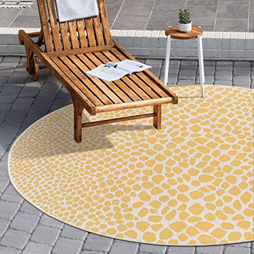 Unique Loom Jill Zarin Outdoor Collection Abstract Animal Print Yellow/Ivory Round Rug (6' 7 x 6' 7)