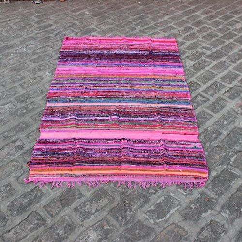 Aakriti Gallery Alfombra de trapo hecha a mano Chindi, alfombra india multicolor, alfombra decorativa bohemia (150 x 90 cm), color rosa
