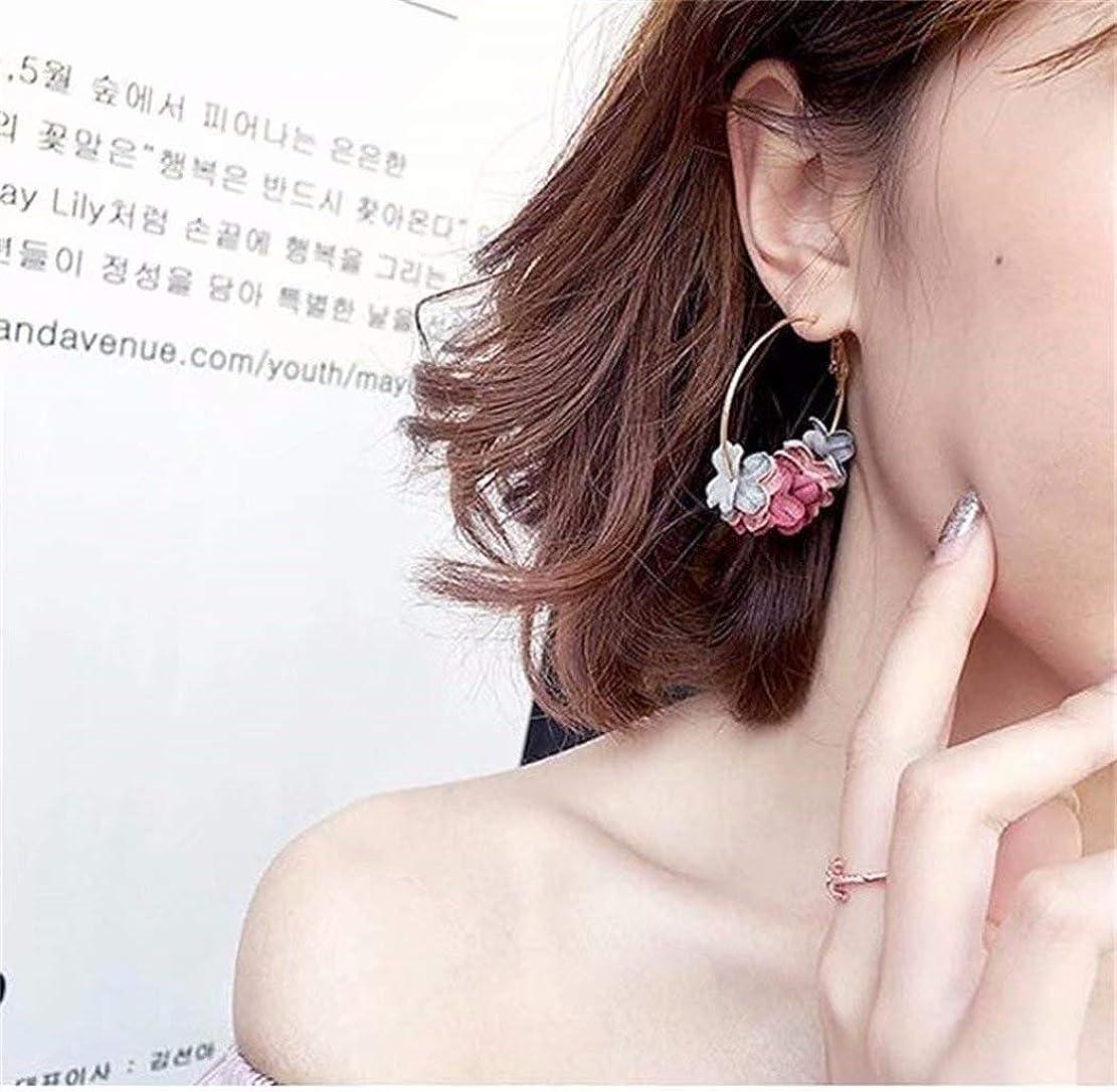 周辺一般的なイヤホン七里の香 フラワードロップピアス人工真珠の花ガーランドブラブラフープピアス女性のフラワーブラブライヤリング