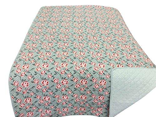 Krasilnikoff - Decke, Quilt, Tagesdecke - Pink Patchwork Flowers - 180 X 130 cm