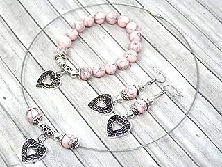 Parure di gioielli da donna in perle turchesi ricostituite rosa e pendente in filigrana a forma di cuore