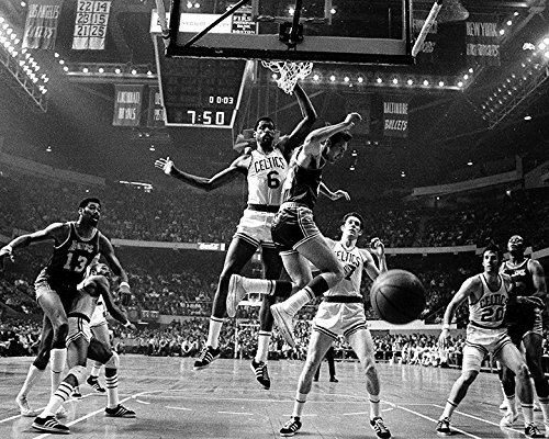 Boston Celtics vs. LA Lakers in 1969, w/Wilt Chamberlain and Bill Russell 8x10 Photo, Picture.