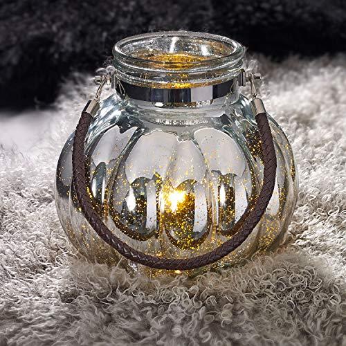Fachhandel Plus Windlicht XL mit Mico-LED-Lichterkette und Kunstleder-Henkel Mercury Glas Bauernsilber Laterne Vase groß Deko Teelichthalter Silberglas 26 x 25 cm
