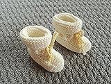 Babyschuhe zur Taufe,Babystiefel, handgestrickt, 11 cm, wollweiß-gelb