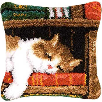 Latch Hook Rug Kit Cat on Bookshelf PN-0149896 Vervaco