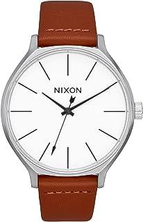 ساعة Nixon Clique النسائية على الموضة للأمام (38 مم. سوار جلدي)