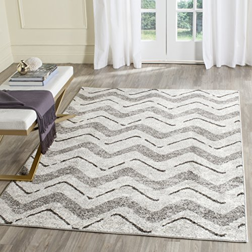 Safavieh Adirondack Collection ADR121P Silver and Charcoal Modern Chevron Area Rug (6' x 9')
