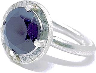 Bellissimo anello con spettacolare spinello nero naturale di 6,8 carati di misure (11 mm x 7 mm). Anello in argento sterli...