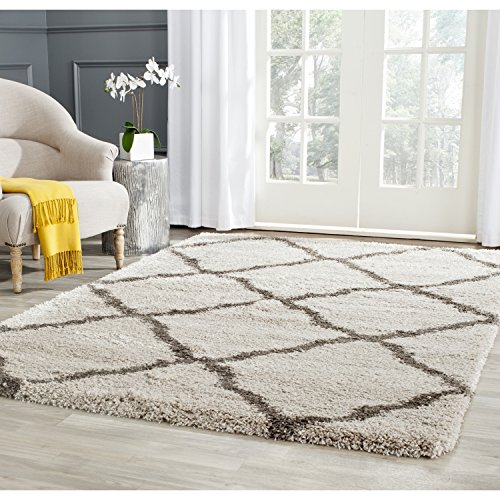 "Safavieh Belize Shag Collection SGB489D Taupe and Grey Area Rug (5'1"" x 7'6"")"