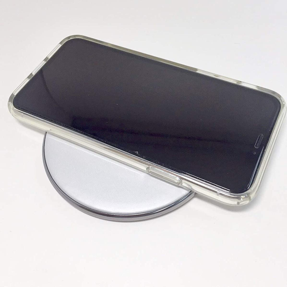 私達かみそりチャーターREMAX RP-W10 ワイヤレス充電器 充電 Qi規格 コンパクト コードレス 持ち運び 簡単 (シルバー)