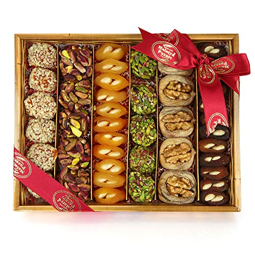 Premium Natural Dried Fruits and Nuts Basket Gourmet Snack Arrangement For Gift and You 800 gr/282 oz