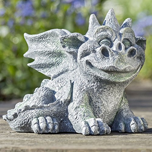 Lustige Fantasy - Gartenfigur Drache aus Polyresin, zwei Varianten, 18 oder 19,5 cm hoch, witziges kindliches Gesicht mit (Kuss-) Mund, perfekt als Deko für Garten und Gartenfest., Modell:liegend