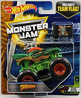 Hot Wheels Monster Jam 1:64 Scale Truck with Team Flag - Dragon