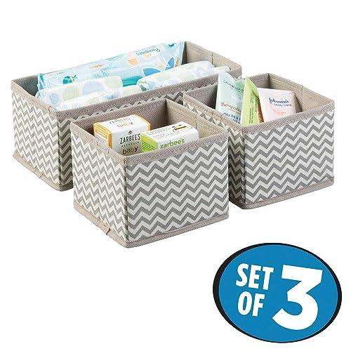 mDesign lot de 3 boîtes de rangement – trois organiseurs, deux tailles – système de rangement universel pour accessoires (couches, chiffons, ustensiles, etc.) – taupe/nature