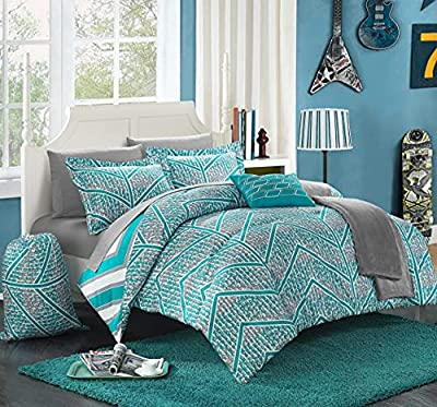 Turquoise and white bedding set with zig zag pattern